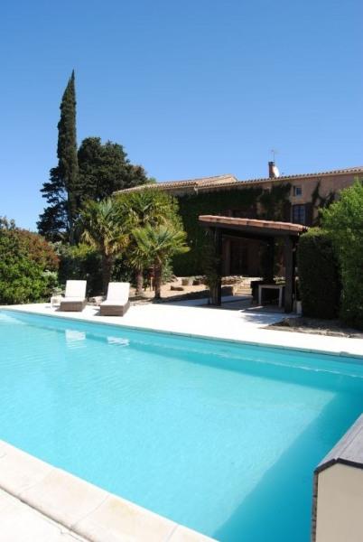 Maison de campagne en pierres avec piscine et grand garage