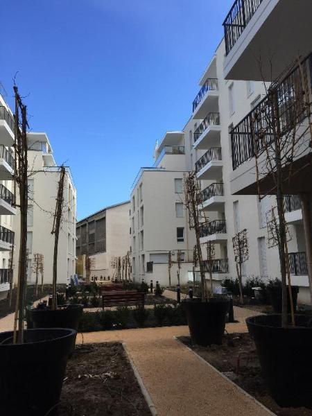 Rental apartment Lyon 7ème 690€ CC - Picture 2