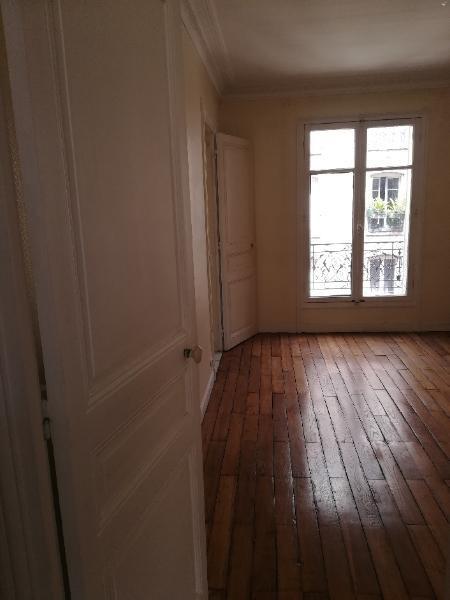 Location appartement Paris 15ème 1595€ CC - Photo 7