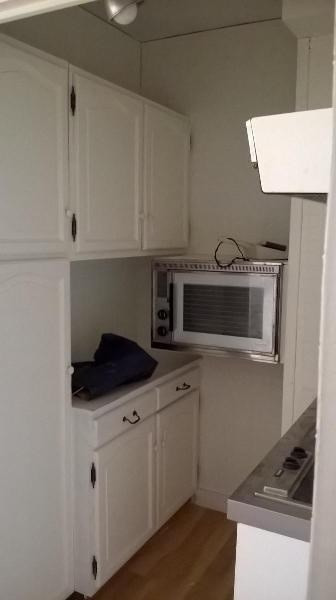 Location appartement Paris 17ème 975€ CC - Photo 1