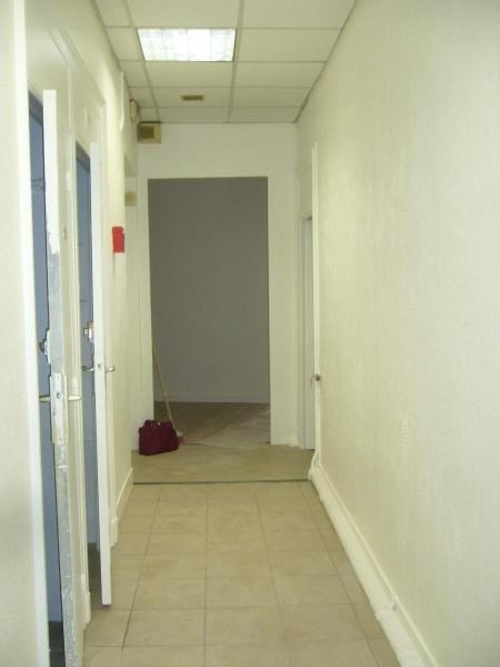 Location boutique Lyon 1er 2 916€ CC - Photo 5