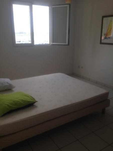 Location appartement Le marin 990€ CC - Photo 8