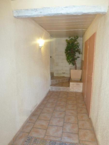 Location appartement Les milles 604€ CC - Photo 4
