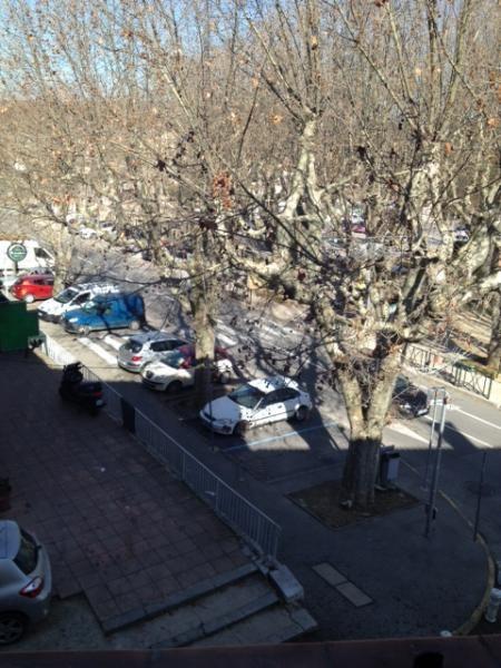 Location appartement Simiane 565€ CC - Photo 2