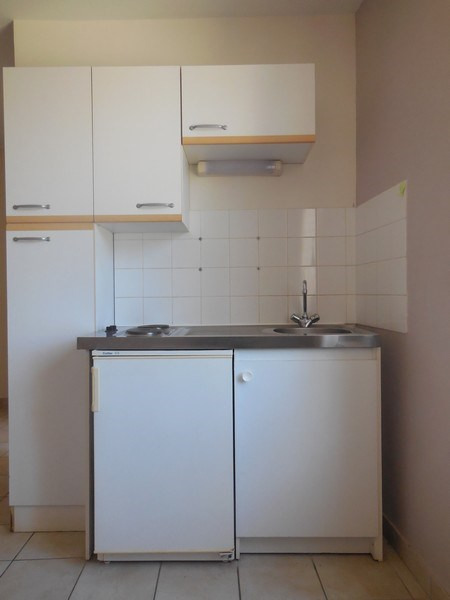 Rental apartment Melun 435€ CC - Picture 2