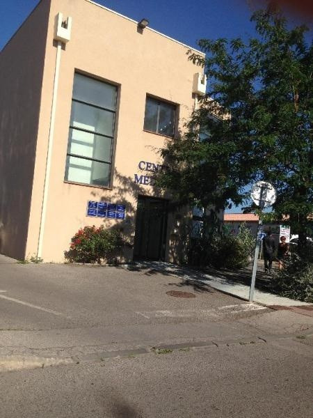 Location bureau Trets 1080€ CC - Photo 2