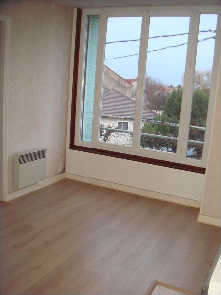 Rental apartment Savigny sur orge 545€ CC - Picture 2