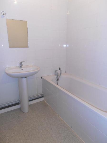 Rental apartment St martin du fresne 642€ CC - Picture 4