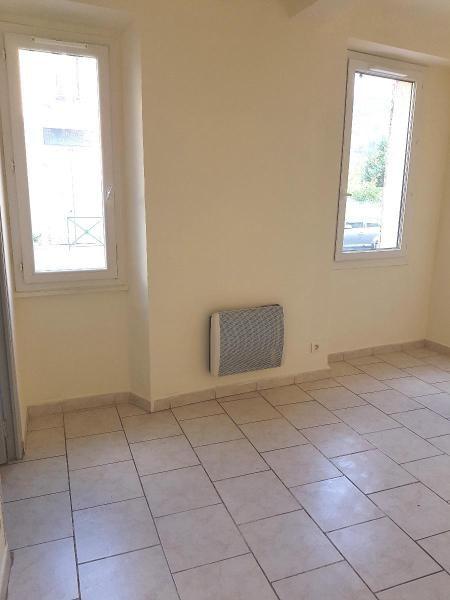 Verhuren  appartement La destrousse 496€ CC - Foto 2