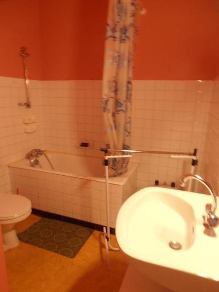 Location appartement Nantua 261€ CC - Photo 3