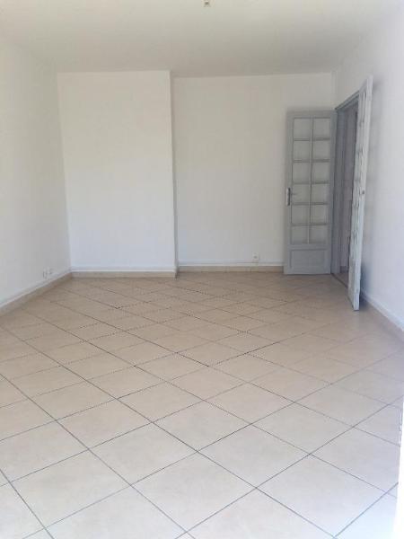 Location appartement Aix en provence 998€ CC - Photo 4