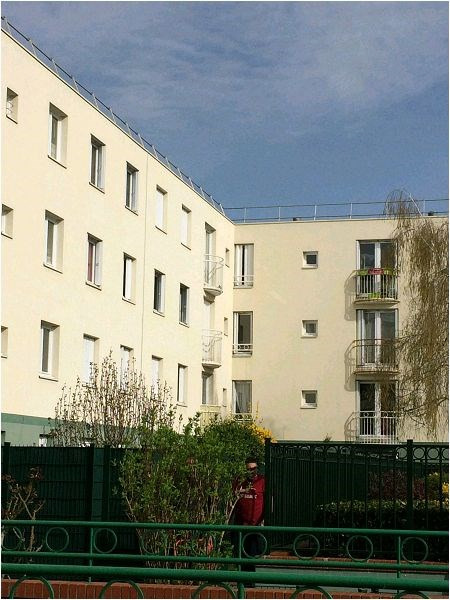 Location appartement Evry 674€ CC - Photo 1