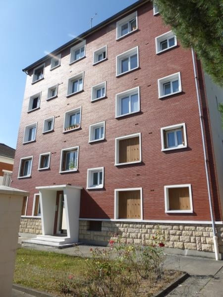 Rental apartment Villemomble 900€ CC - Picture 1