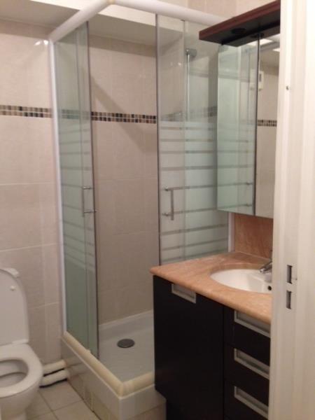 Sale apartment Courbevoie 222000€ - Picture 3