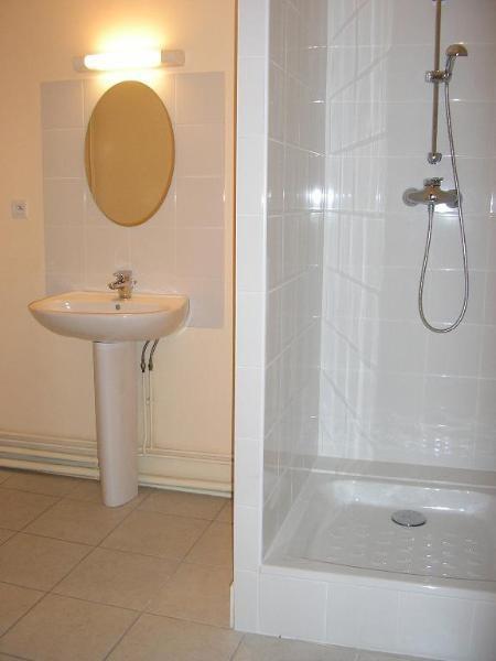 Location appartement Nantua 361€ CC - Photo 4