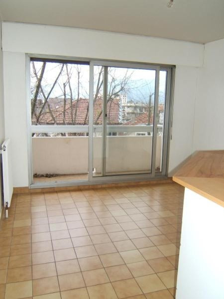 Location appartement Grenoble 685€ CC - Photo 2