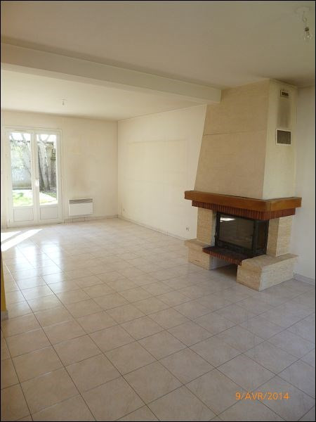 Rental house / villa Athis mons 1 429€ CC - Picture 2