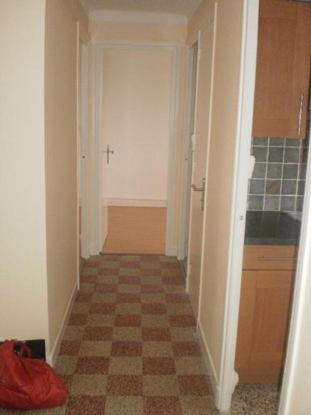 Location appartement Lyon 8ème 733€ CC - Photo 7