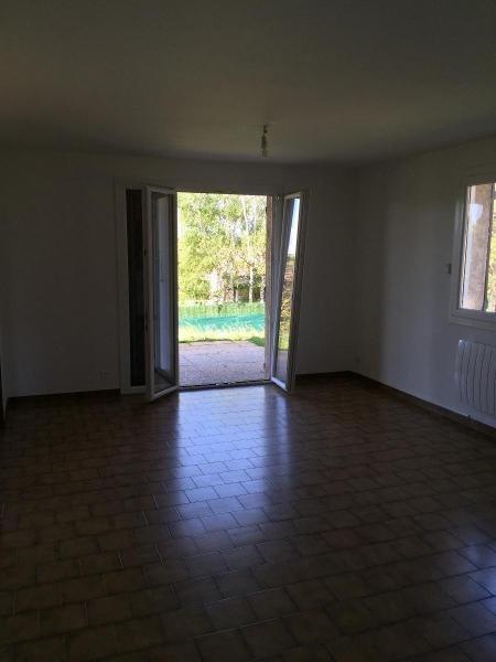 Location maison / villa Vourles 1090€ CC - Photo 6