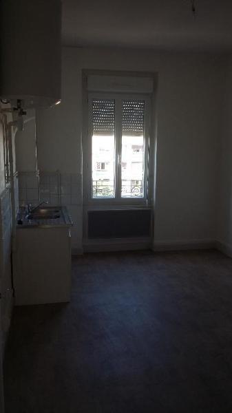 Rental apartment Lyon 8ème 489€ CC - Picture 2