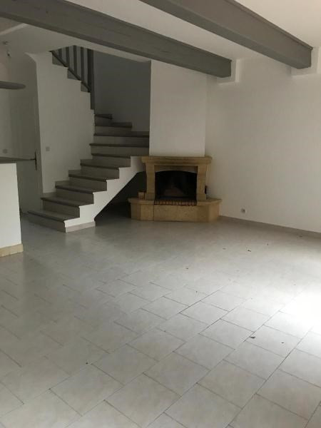 Location maison / villa Aix en provence 1350€ CC - Photo 5