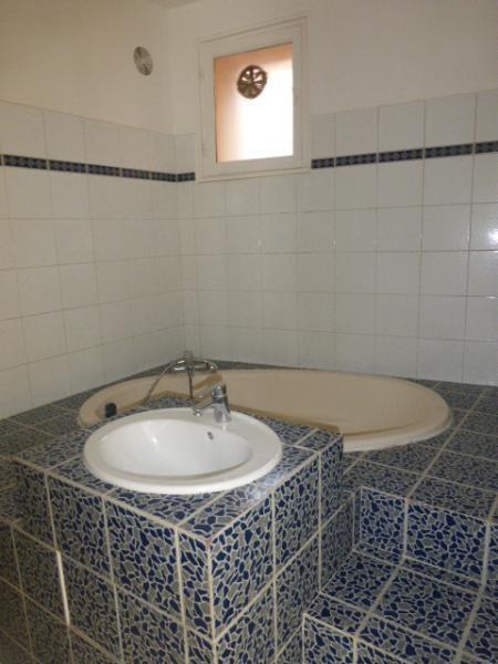 Rental apartment Aix en provence 814€ CC - Picture 3