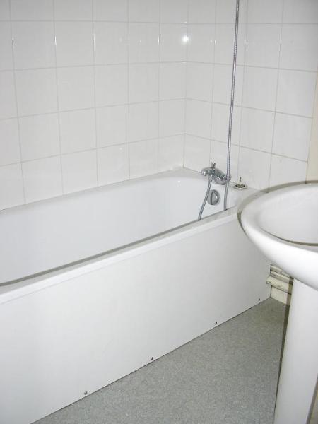 Rental apartment Montreal la cluse 461€ CC - Picture 5