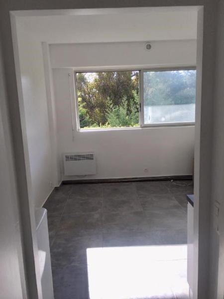 Rental apartment Vallauris 550€ CC - Picture 2