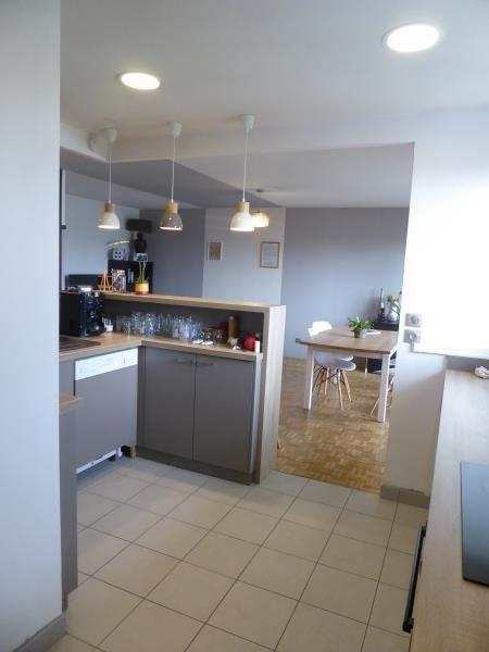 Sale apartment Lyon 7ème 400000€ - Picture 4