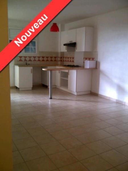 Rental apartment Sainte luce 590€ CC - Picture 1