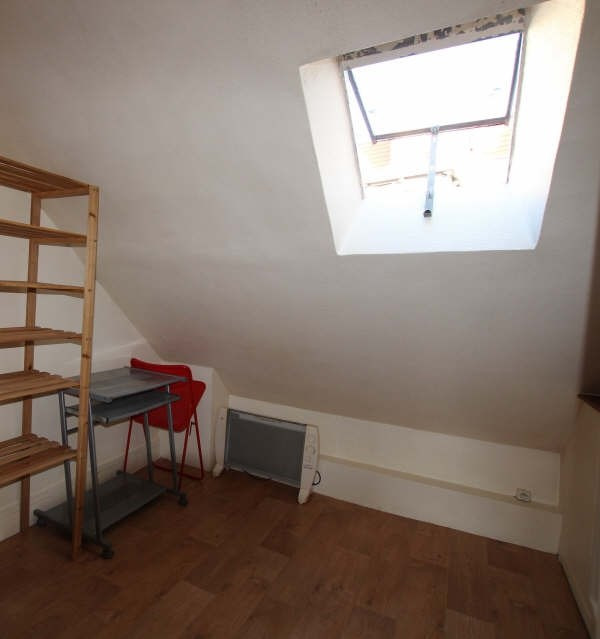 Location appartement Paris 3ème 460€ CC - Photo 3