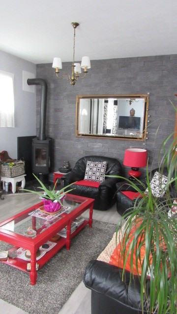 Sale house / villa Saint-jean-d'angély 169600€ - Picture 3