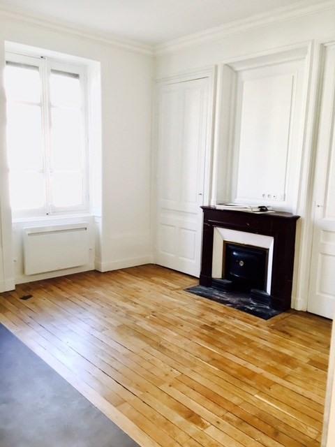 Alquiler  apartamento Lyon 6ème 890€ CC - Fotografía 1