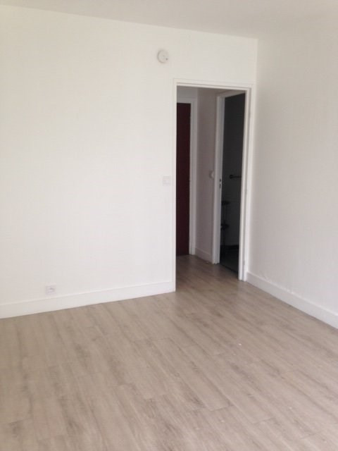 Rental apartment Montreuil 668€ CC - Picture 2
