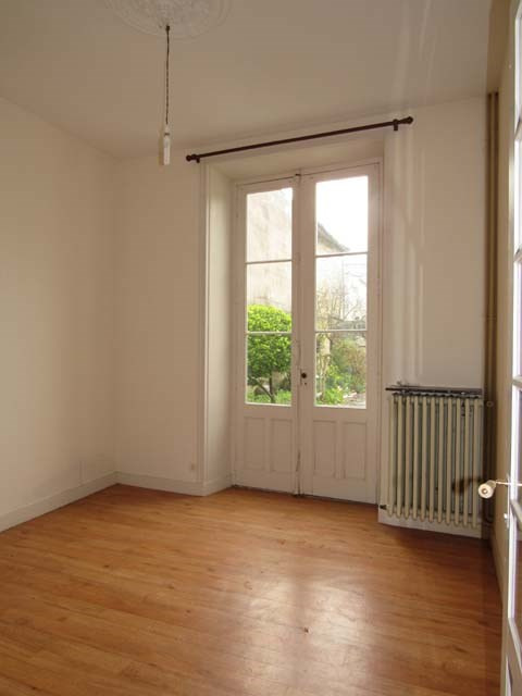 Sale house / villa Saint-jean-d'angély 138 000€ - Picture 6