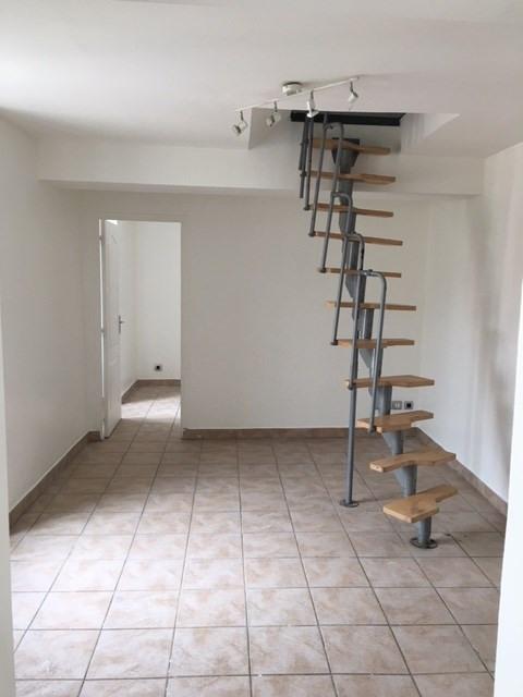 Location appartement Melun 625€ CC - Photo 1