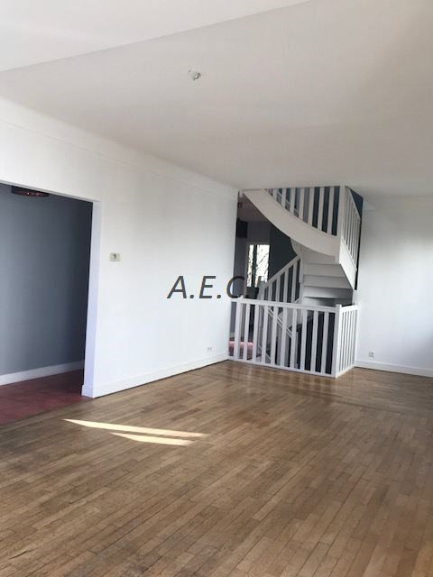 Location maison / villa Garches 3 000€ CC - Photo 3