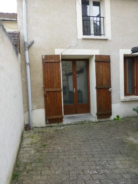 Location appartement Bonnières-sur-seine 400€ CC - Photo 1
