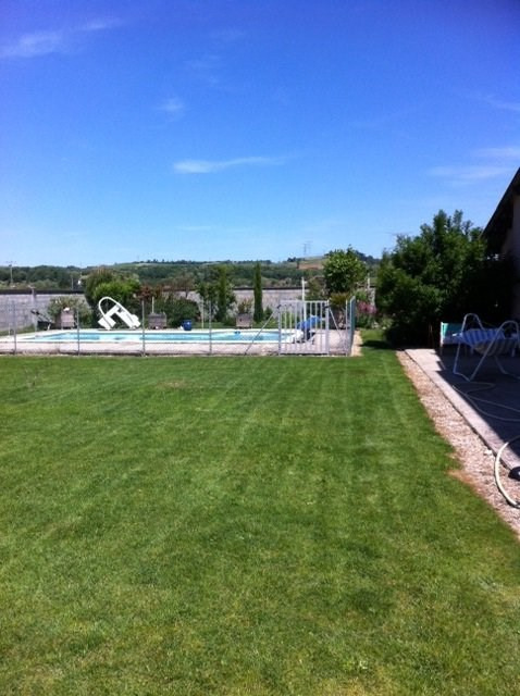 Sale house / villa Estrablin 360000€ - Picture 2