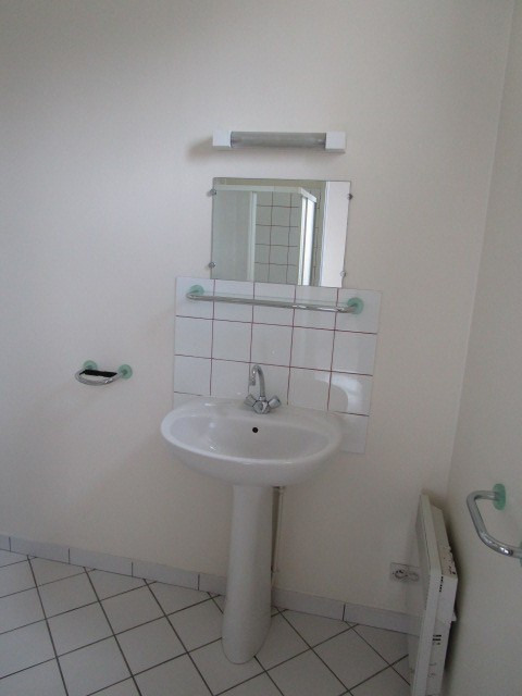 Location appartement Agneaux 335€ CC - Photo 3