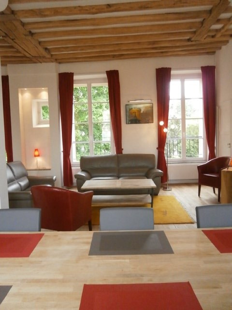 Rental apartment Fontainebleau 2800€ CC - Picture 1