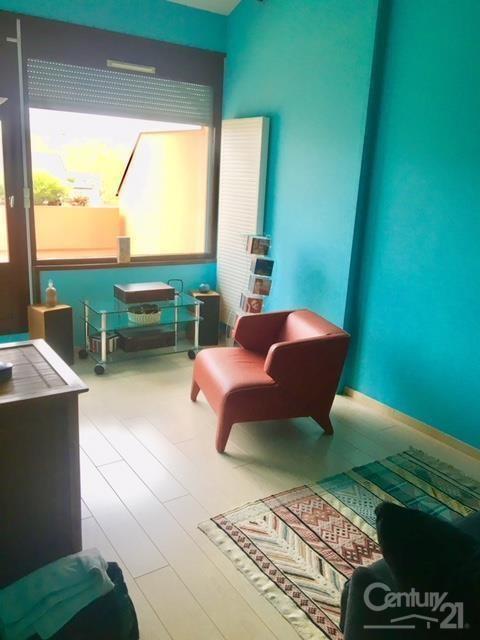Sale apartment Lyon 7ème 330000€ - Picture 3