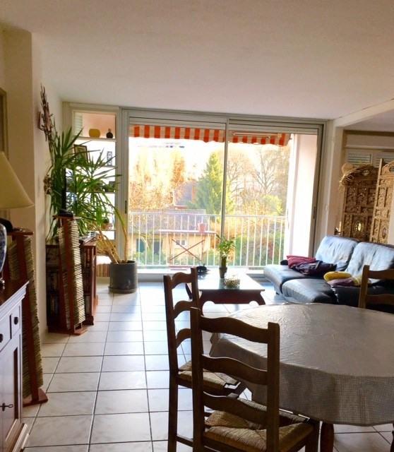 Sale apartment Champagne au mont d or 221000€ - Picture 1