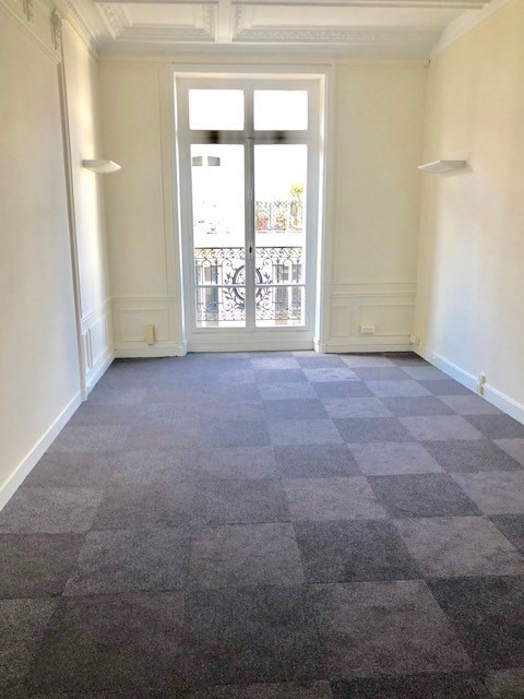 Location bureau Paris 8ème 15 333€ HC - Photo 4