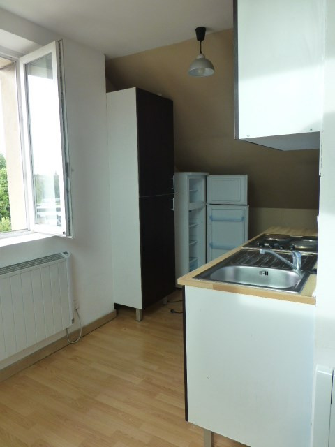 Location appartement Bonnières-sur-seine 620€ CC - Photo 2