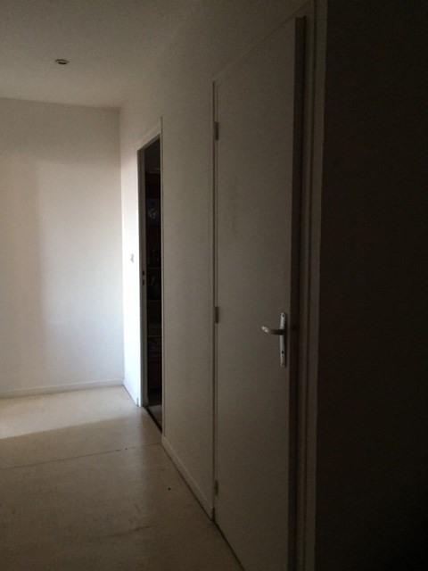 Location appartement Saint-genest-lerpt 630€ CC - Photo 5