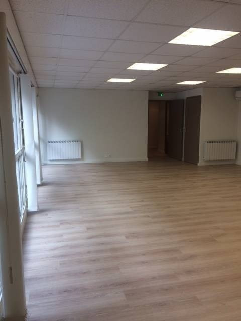Location local commercial Avignon 1 130€ CC - Photo 3