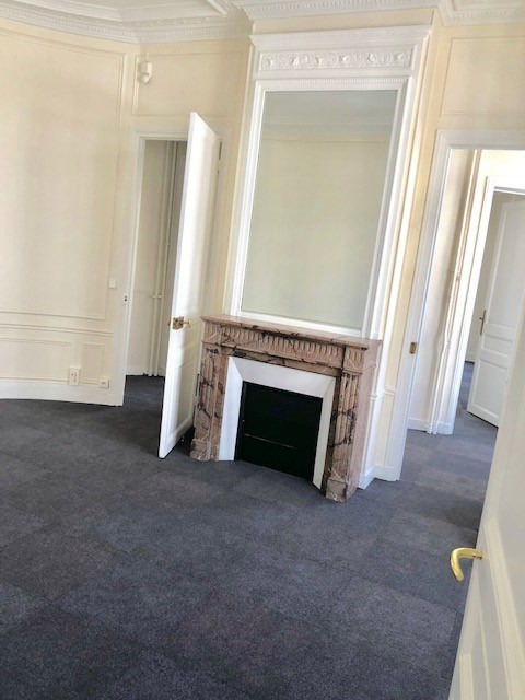 Location bureau Paris 8ème 15 333€ HC - Photo 8