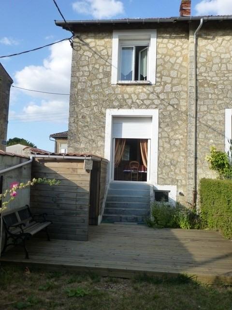Rental house / villa Saint-jean-d'angély 545€ CC - Picture 1
