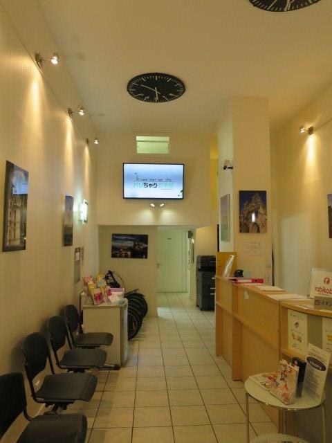 Commercial lease transfer shop Paris 2ème 110000€ - Picture 2